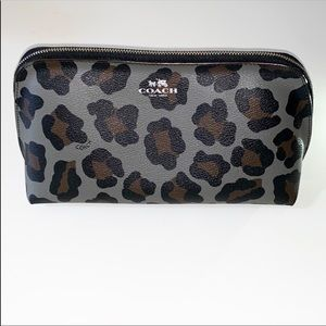 Coach 22 cosmetic case